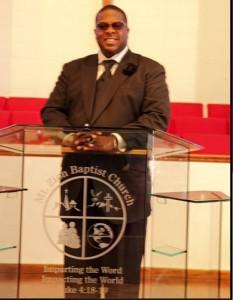 Pastor Dr Damian Epps